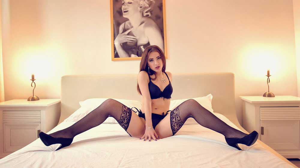 Hire an Experienced Female Escorts Hyderabad to Enjoy More in Life - Feeltheheaven.com