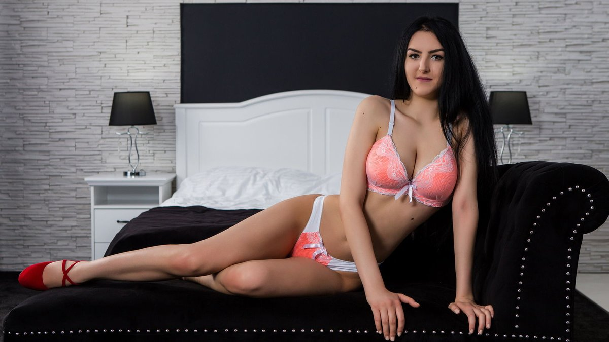 The Hyderabad escorts which offer great company to clients for memorable experience - Feeltheheaven.com