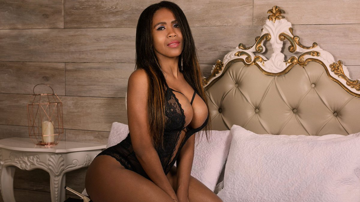 VIP Hyderabad escorts which help to enjoy new angles of love without relationship - Feeltheheaven.com