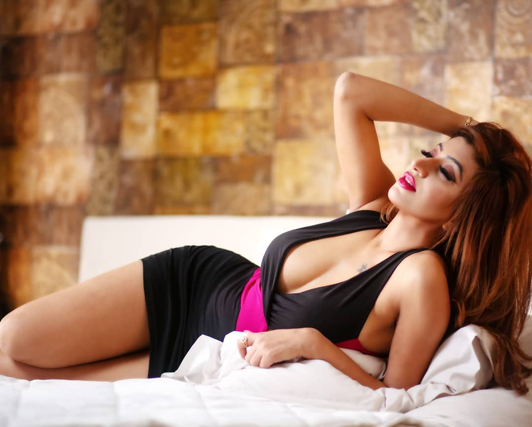 How to Choose VIP Hyderabad Escorts For Your Girl Friend Experience - Feeltheheaven.com