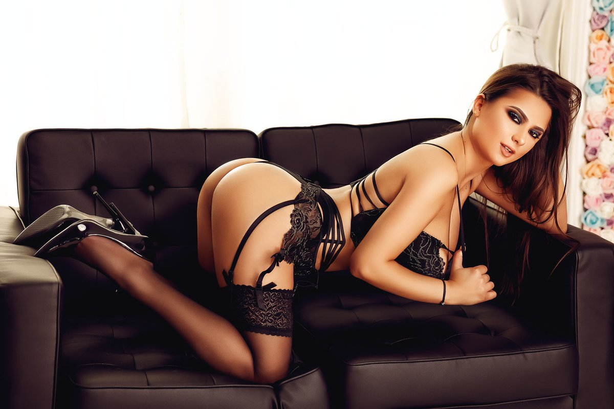 Enjoy Sex Life with Experienced & Trained Professionals - Feeltheheaven.com