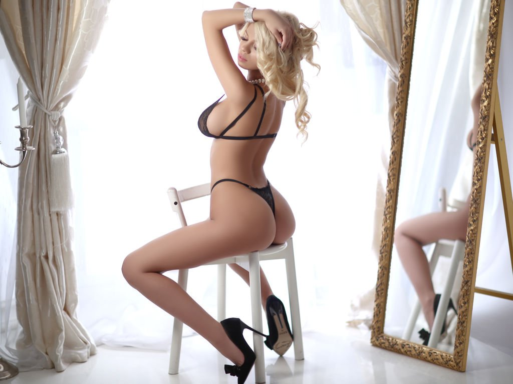 Escort agencies in Hyderabad - Search right escort partner to fulfill your sexual needs in Hyderabad - Feeltheheaven.com