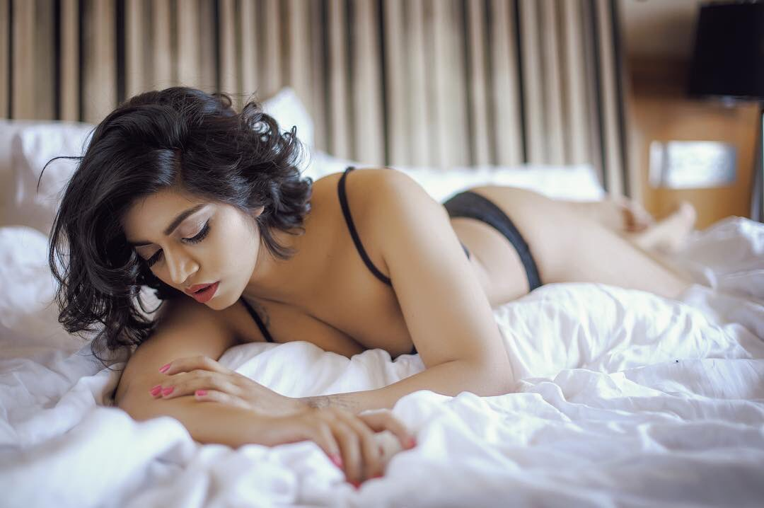 How To Search Right Female Escort Partner For You - Renowned escort agency in Hyderabad - Feeltheheaven.com