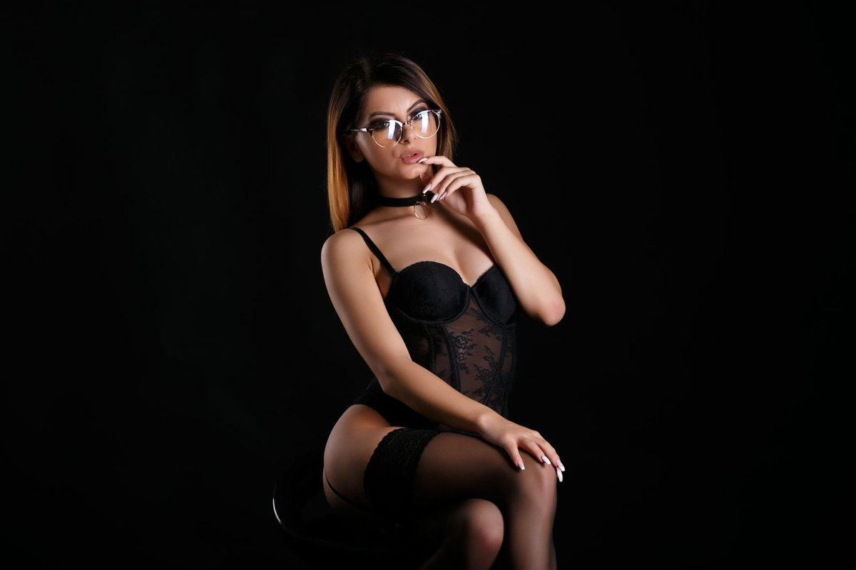Enjoy Bed Time with Help of Experienced & Professional Escorts - Feeltheheaven.com