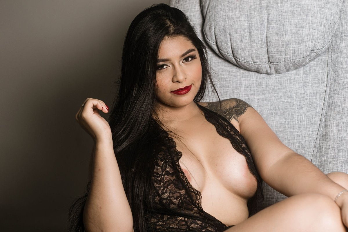 Make Your Day or Night Special with Our Hyderabad Escorts - Feeltheheaven.com